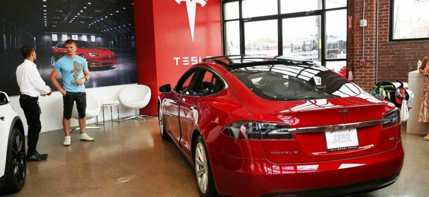Хакера поймали на Tesla